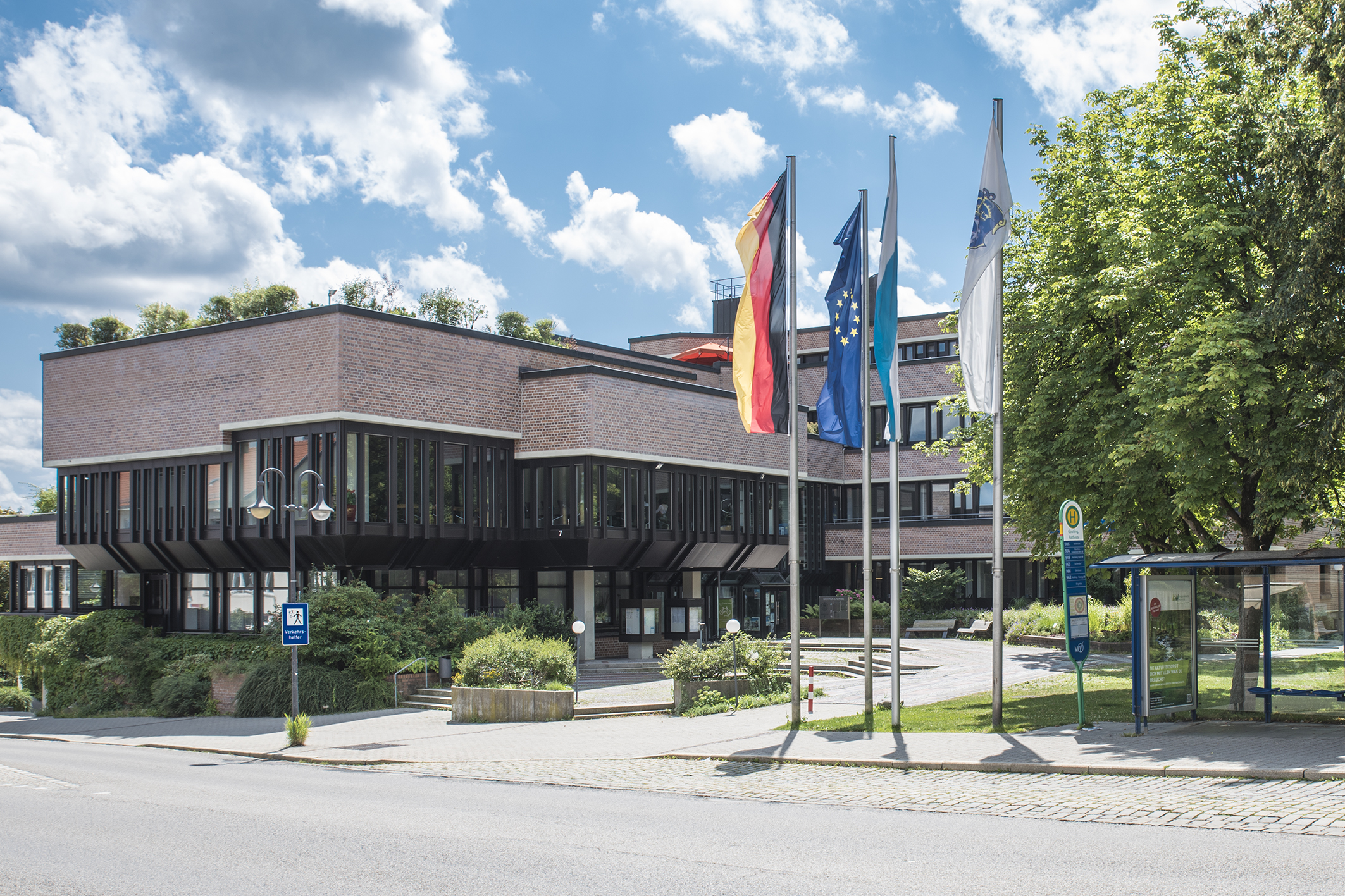 Wir wünschen unserer Bürgermeisterin Brigitte Kössinger und dem neuen Gemeinderat viel Erfolg und eine gute Hand!